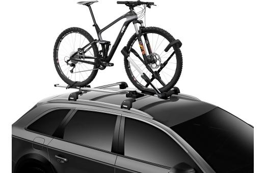 Ingen kontakt med cykelramen eftersom haken har ett säkert grepp om framhjulet