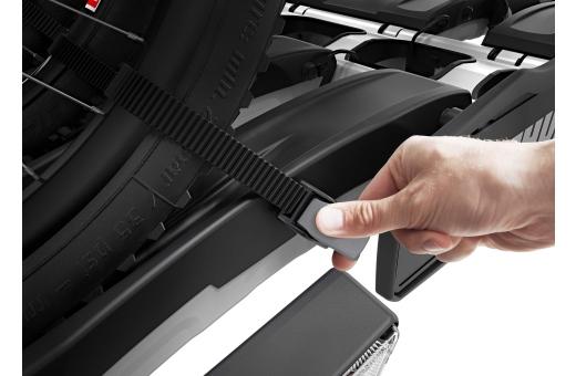 Justerbara pumpspännen med extra långa hjulremmar gör det enkelt att fästa fatbikehjulen (hjul på upp till 4.7 tum) vid transport